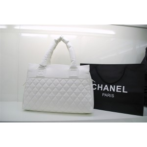 Chanel A48620 Y06882 10800 In Pelle Con Zip Caviar Bianco Large
