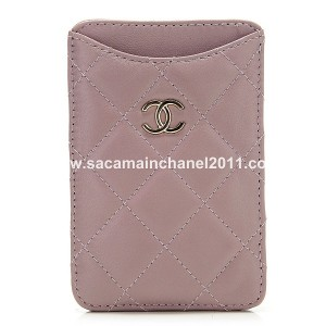 Chanel Quilted Iphone Holder A65060 Viola Rosa Agnello